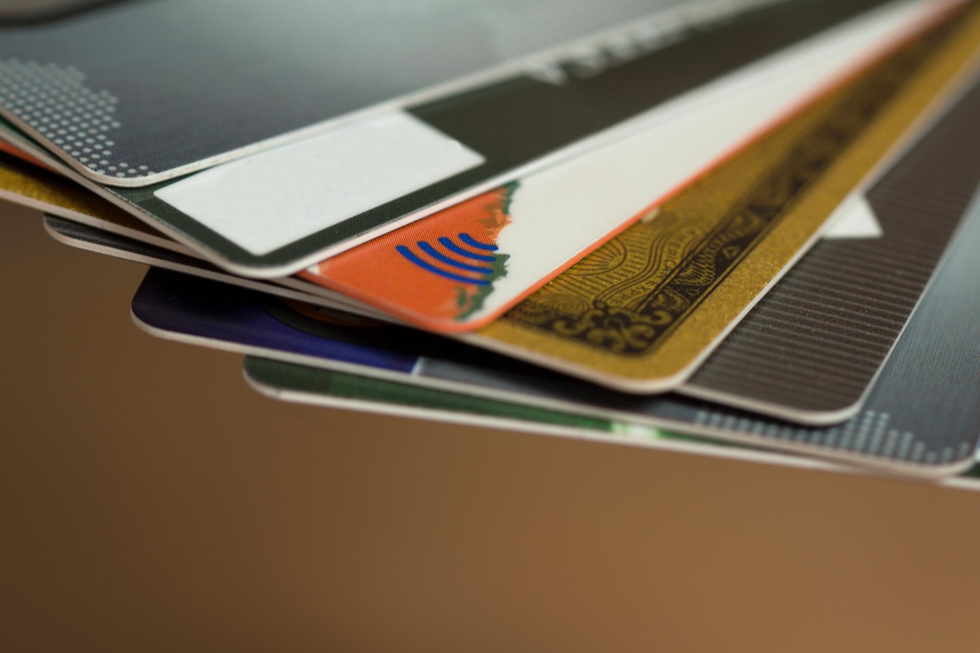 【海外旅行保険】クレジットカードの海外旅行保険の特徴